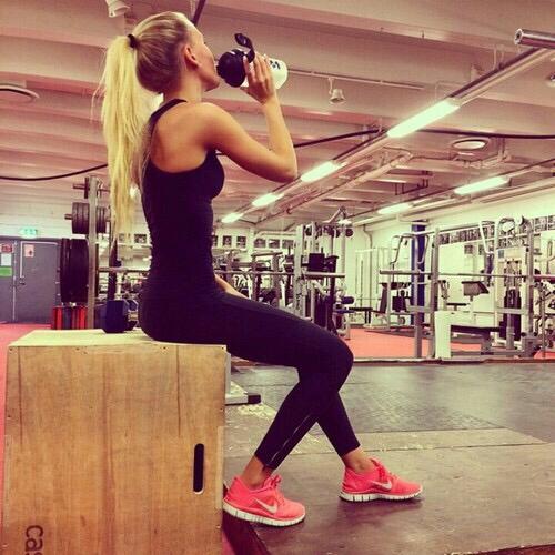 black-fitness-girl-gym-Favim.com-2673675